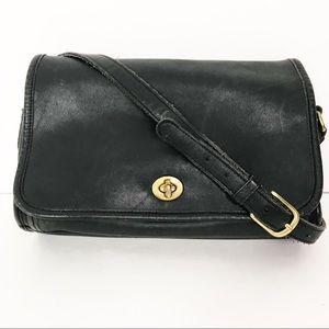 Vintage Coach Black Leather Ridgefield Flap Bag